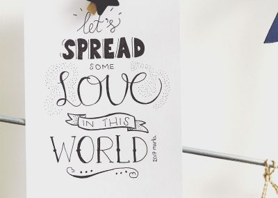Handlettering kaart: let's spread some love in this world