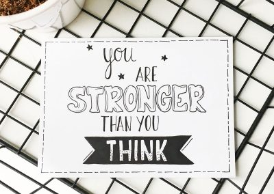 Handlettering kaart: you are stronger than you think